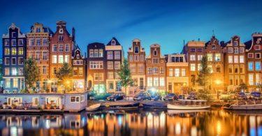 Amsterdam sempre linda a noite