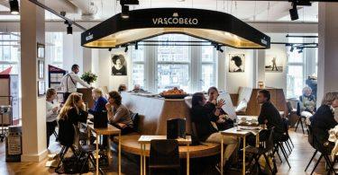 Café da manhã no centro de Amsterdam no Vascobelo V-Bar