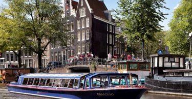 Cruzeiros nos canais de Amsterdam