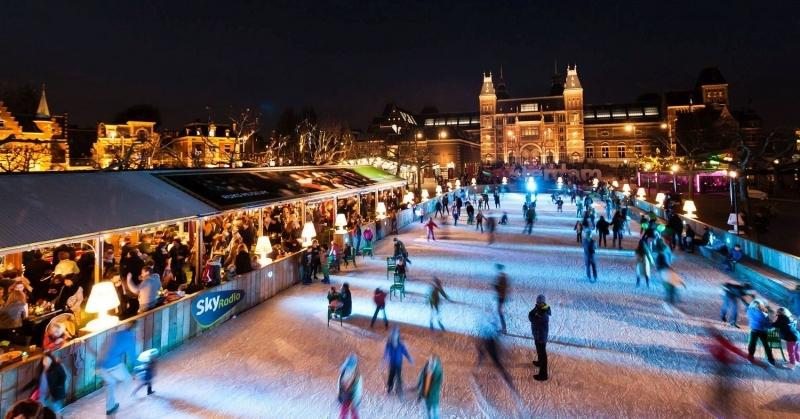 patinacao-no-gelo-no-museumplein-em-amsterdam
