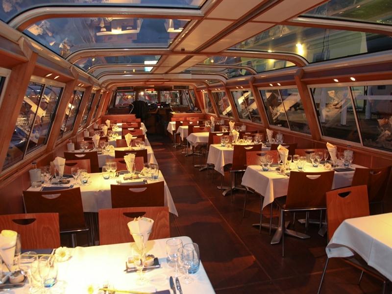 passeios-de-barco-nos-canais-de-amsterdam-com-um-cruzeiro-noturno