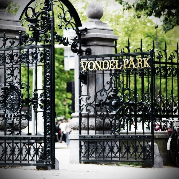 A entrada do Vondelpark