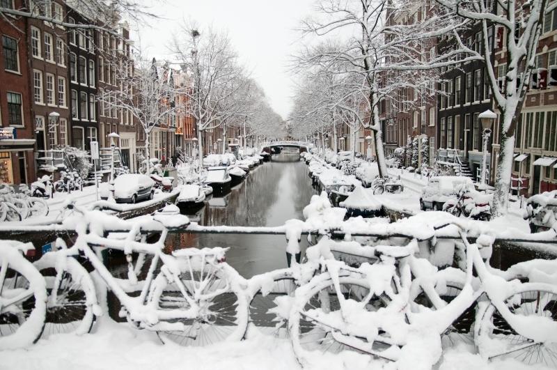 ab85fa257 O inverno na Holanda tem temperaturas que variam, em média, entre -2ºC e  7ºC. Neste período, os dias são mais curtos e, embora às vezes o sol  apareça, ...